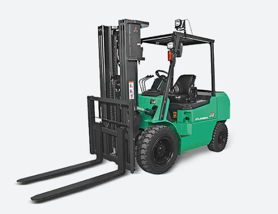CLASIDIA系列   载重2000-3000kg 四轮柴油平衡式叉车